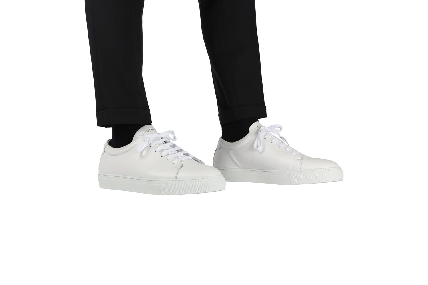 Edition 3 white sneakers